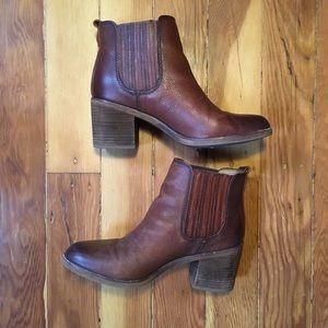 Stacked Heel Chelsea Boot